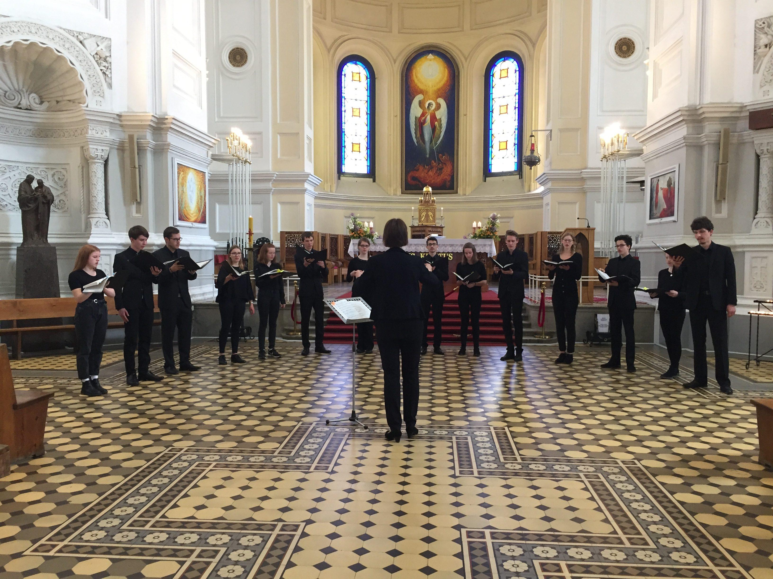 Pforzheimo jaunimo choras Klaipėdos Šv. Pranciškaus koplyčioje